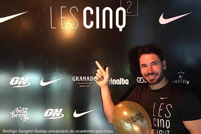 Rodrigo Sangion festeja aniversário da academia que criou.
